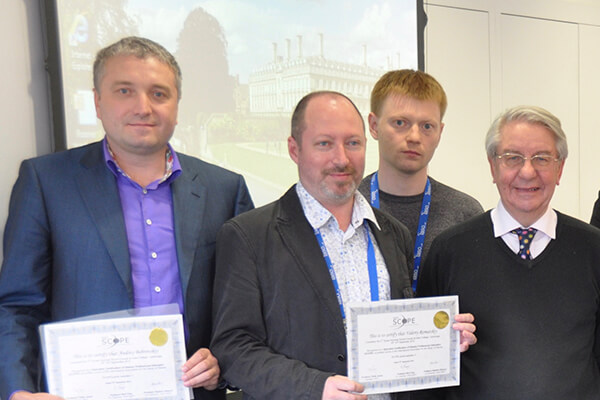 _0002_Вручение сертификата об успешном обучении в главной международной школе по лечение ожирения - SCOP в Универси
